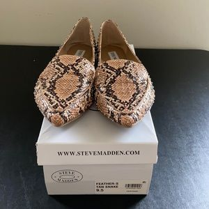 Steve Madden Feather Flats Studded- NEW IN BOX